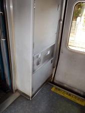 http://www.trainspace.net/daisan/ktr/ktr8000/s-ktr8000-113.jpg