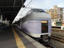 http://www.trainspace.net/jr/e351/s-e351-8.jpg